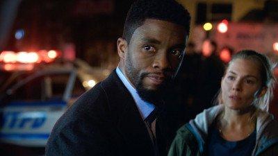 Netflix stelt preview uit van Original-film met Chadwick Boseman