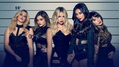 Bedenker van 'Riverdale' gaat reboot 'Pretty Little Liars' maken