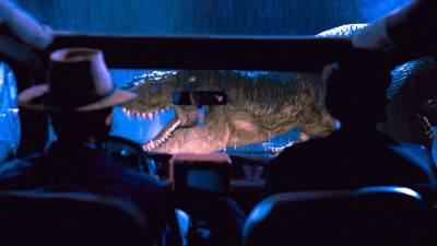 Jeff Goldblum en Sam Neill vermaken zich prima op de set van 'Jurassic World: Dominion'