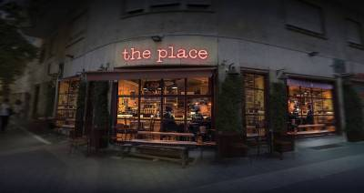 Recensie 'The Place'