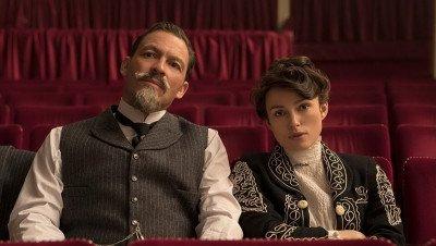 Dominic West in gesprek voor de rol van prins Charles in 'The Crown'