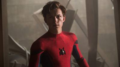 Tom Holland landt in Atlanta voor de opnames van 'Spider-Man 3'