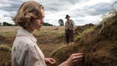 Netflix deelt trailer en releasedatum van 'The Dig' met Ralph Fiennes en Carey Mulligan
