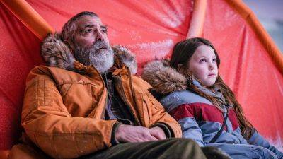 George Clooney zet alles op alles in de nieuwe trailer van Netflix-film 'The Midnight Sky'