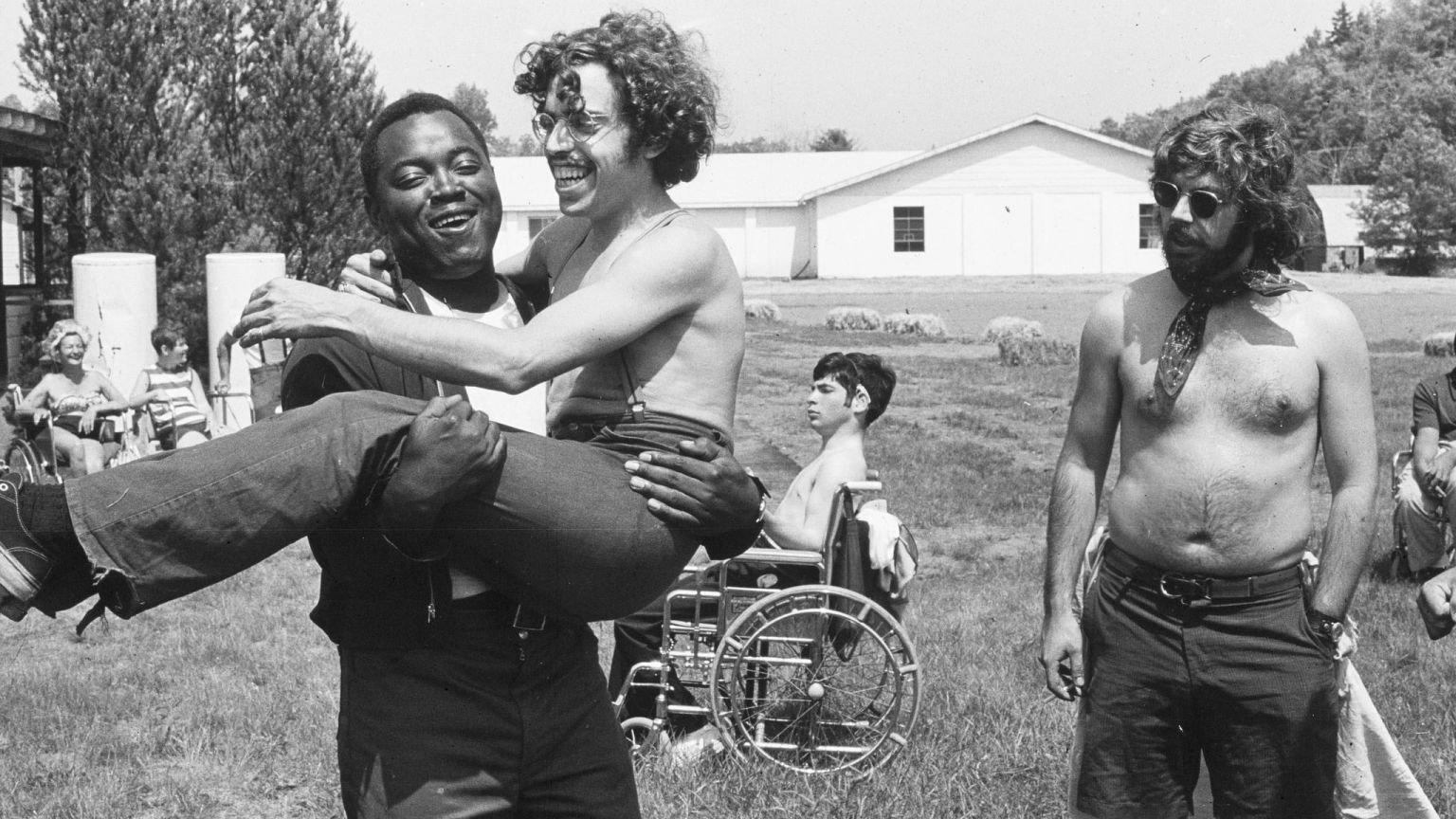 'Crip Camp' wint beste film op de International Documentary Association's Awards