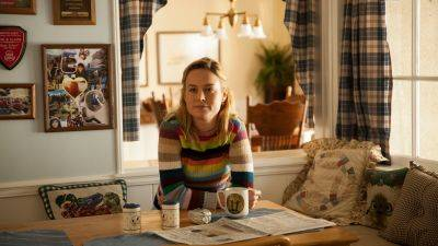 Brie Larson produceert en speelt in Apple-serie 'Lessons in Chemistry'