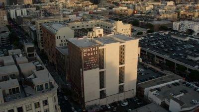 Een dodelijk hotel staat centraal in de trailer van Netflix-docuserie 'The Vanishing at the Cecil Hotel'