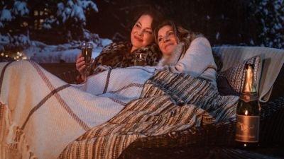 Romantische dramaserie 'Firefly Lane' nu te zien op Netflix