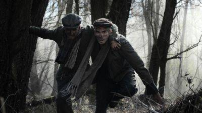 Trailer indrukwekkend oorlogsdrama 'The Auschwitz Report' onthuld