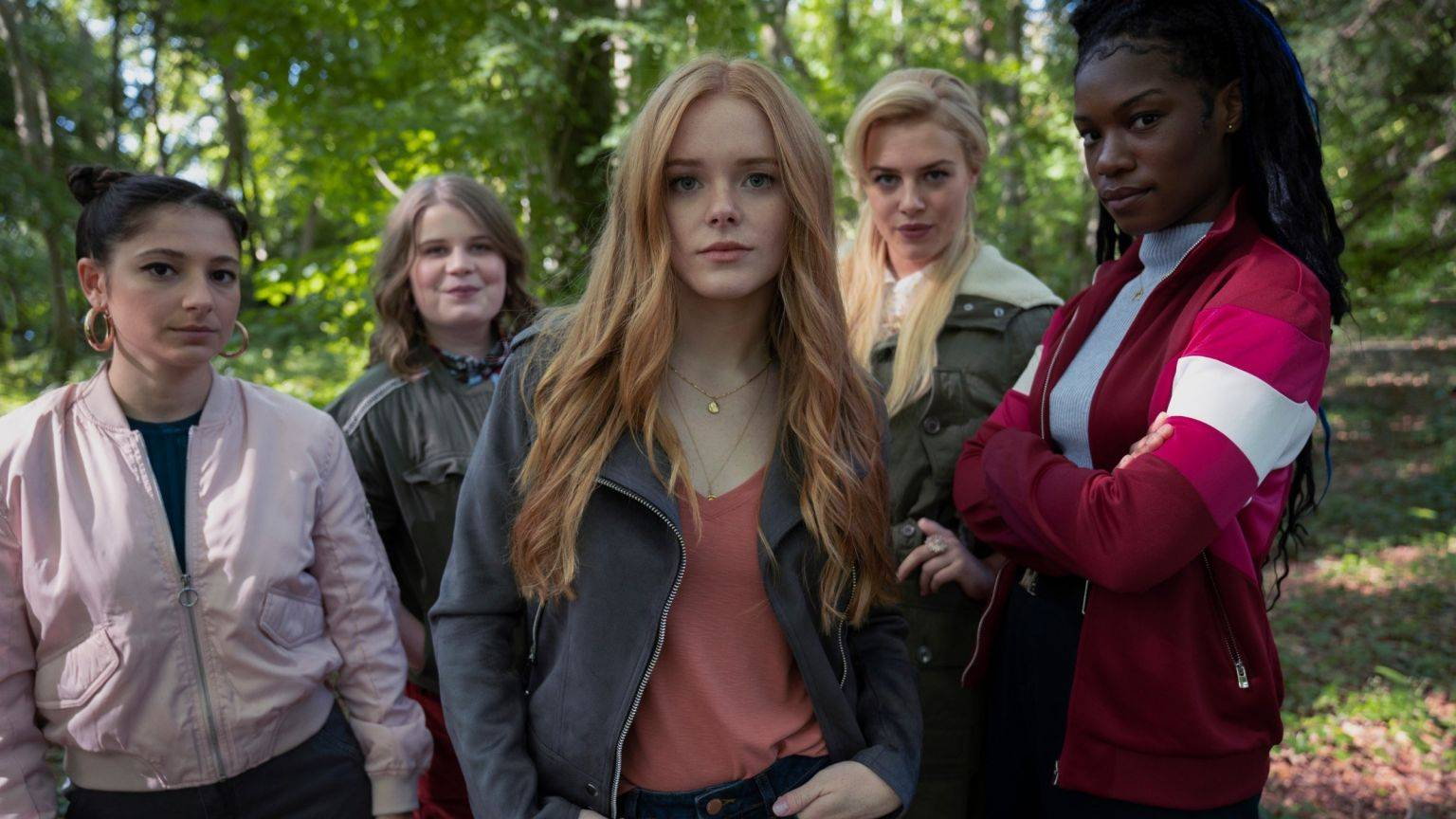 Klaar met 'Fate: The Winx Saga'? Bekijk dan deze 5 magische series op Netflix