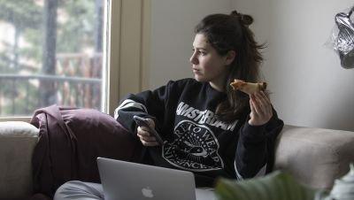 Netflix kondigt speelfilm aan gebaseerd op Nederlandse serie 'ANNE+' met Hanna van Vliet