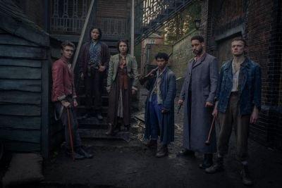 Sherlock Holmes krijgt een paranormale twist in nieuwe Netflix-serie 'The Irregulars', teaser nu te zien