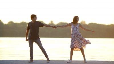 Netflix onthult trailer van romantisch drama 'A Week Away'