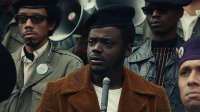 Daniel Kaluuya vergeet microfoon aan te zetten tijdens Golden Globe-speech