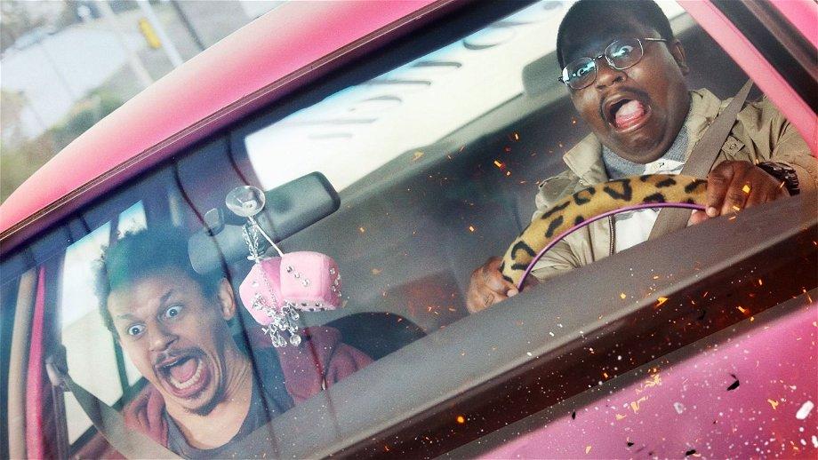 Eric André en Lil Rel Howery gaan op pad met een verborgen camera in de trailer van Netflix-film 'Bad Trip'
