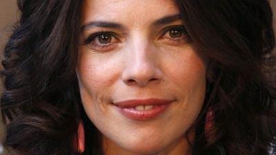 Maribel Verdú speelt Nora Allen in 'The Flash', ander castlid valt af vanwege planningsproblemen
