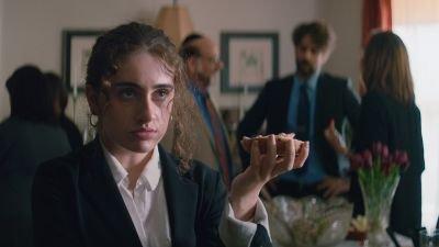 Emma Seligman en Adam McKay maken serie genaamd 'Sugar' voor HBO over sugar babies