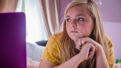 Elsie Fisher en Amiah Miller gecast voor 'My Best Friend's Exorcism'
