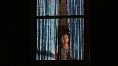 Mysterieuze dramafilm 'The Woman in the Window' nu te zien op Netflix