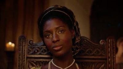 Jodie Turner-Smith schittert in de eerste trailer van historische serie 'Anne Boleyn'