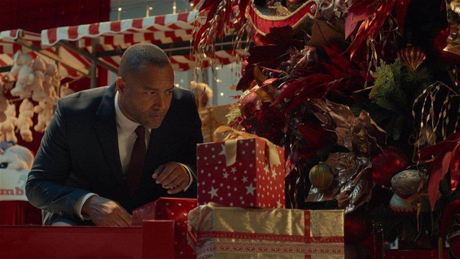 Everon Jackson Hooi en Kürt Rogiers voegen zich bij de cast van Netflix-kerstfilm 'De Familie Claus 2'