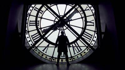 Netflix neemt ons mee achter de schermen van 'Lupin' deel 2 in een nieuwe video