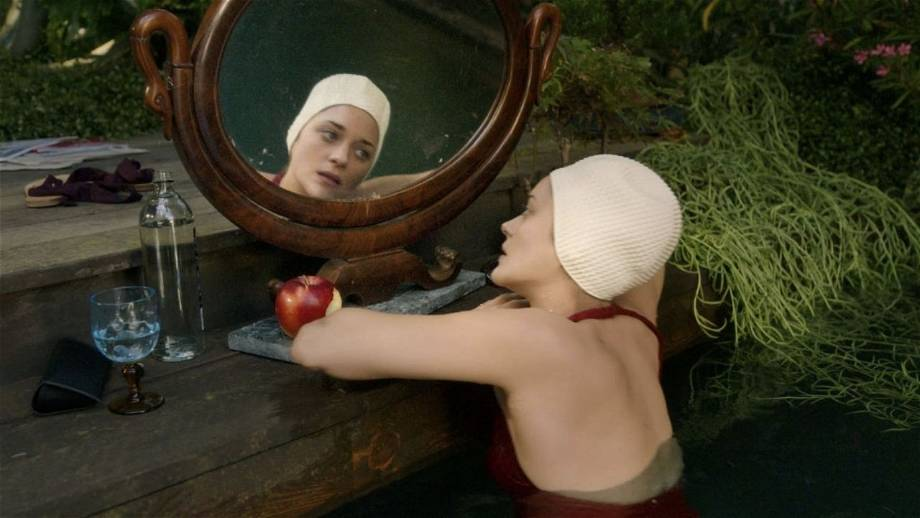 'Annette' trapt af op het filmfestival van Cannes en trakteert op een nieuwe clip en foto's
