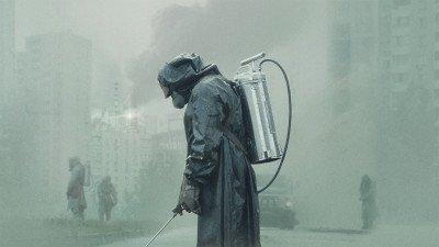 'Chernobyl'-regisseur in gesprek om 'The Magus' te regisseren samen met '1917'-producent