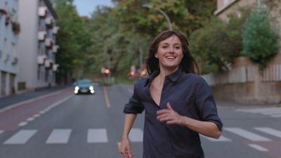 Eerste teaser van Cannes-winnaar 'The Worst Person in the World' van Joachim Trier nu te zien