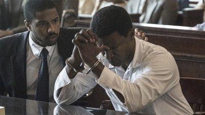 Warner Bros. laat kijkers gratis 'Just Mercy' huren 'voor een les over systematisch racisme'