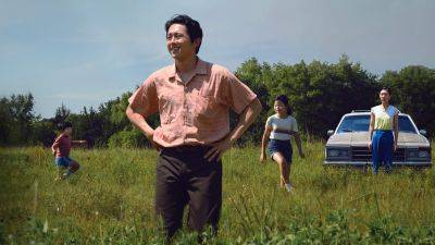 Netflix werkt aan serie over verkeersongeluk met hoofdrol voor Ali Wong en Steven Yeun