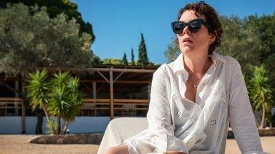 Dramafilm 'The Lost Daughter' met Olivia Colman komt naar Netflix, eerste trailer nu te zien