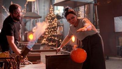 Netflix komt met kersteditie van spelshow 'Blown Away', eerste trailer nu te zien