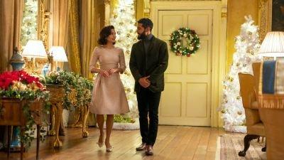 Vanessa Hudgens viert weer Kerst in de trailer van Netflix-kerstfilm 'The Princess Switch 3'